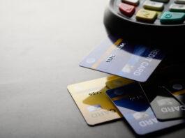 cartões de crédito ou débito