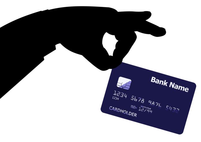 Como solicitar um cartão de crédito pela internet com nome negativado?