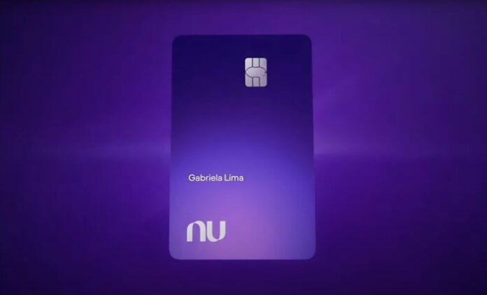 Nubank anuncia novo cartão de crédito com nova cor e cashback de 1%